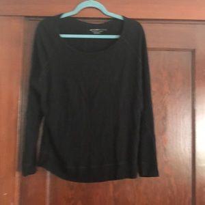Comfy black sweatshirt